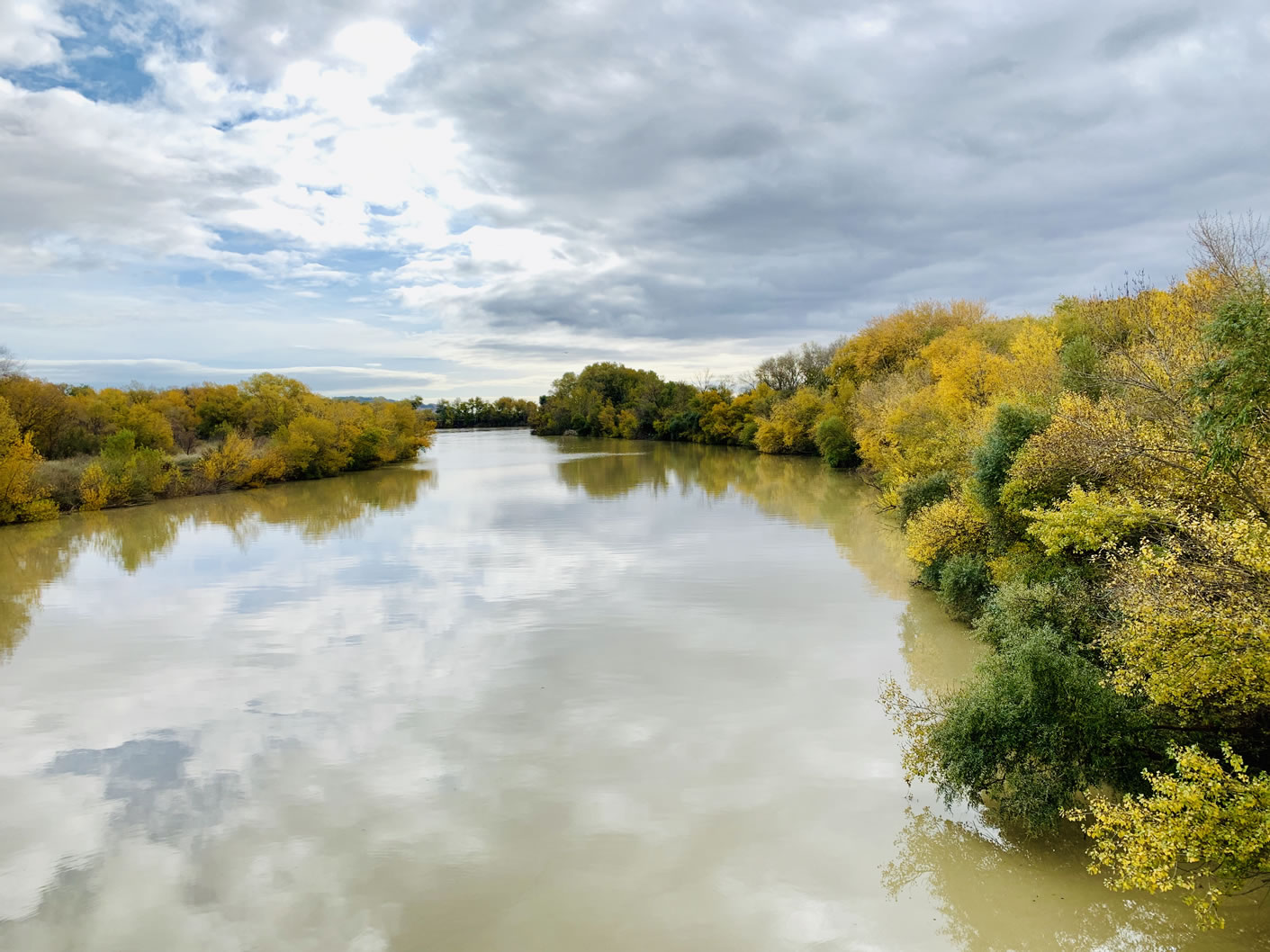 Espejo en el río Ebro