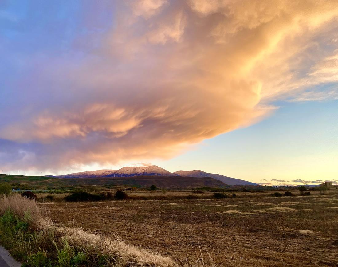 Nube sobre el Moncayo